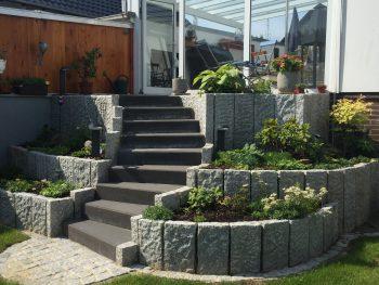 GaLa-Bau, Treppenbau mit Bepflanzung, Garten und Landschaftsbau